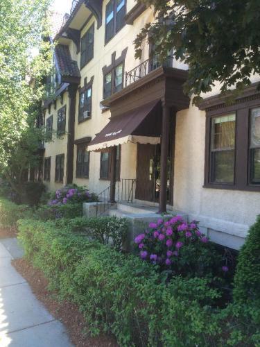 1730 Commonwealth Avenue Photo 1