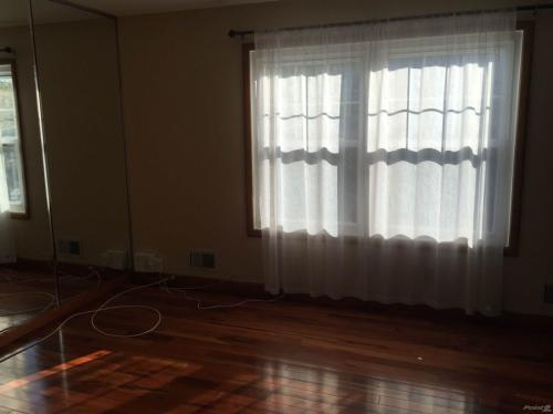 3 bed, $1,950 Photo 1