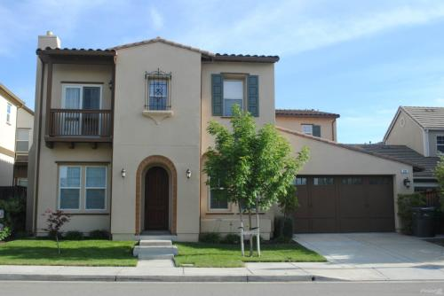 5 bed, 4200 sqft, $5,399 Suite 200 Photo 1