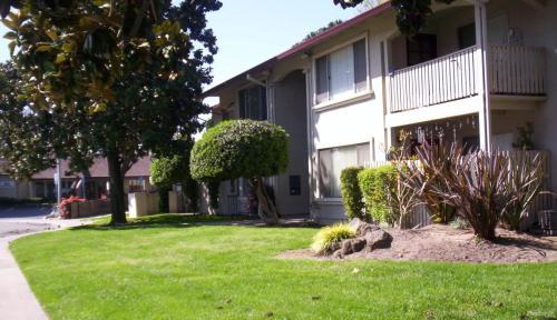 1405 Stonewood Ave Photo 1