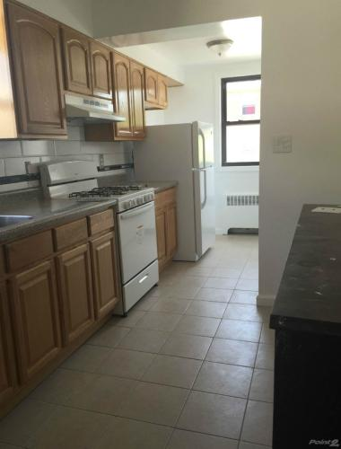 Homes for Rent/Lease in Parkchester, Bronx, New... Photo 1