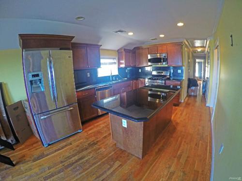 Condos for Rent/Lease in Throgs Neck, Bronx, Ne... Photo 1