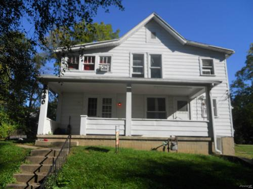 2480 Berger Ave Photo 1