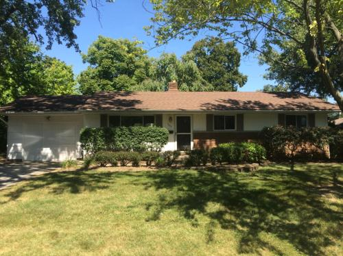 1560 Westminster Drive Photo 1