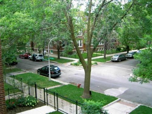 4735 N Washtenaw Avenue Photo 1