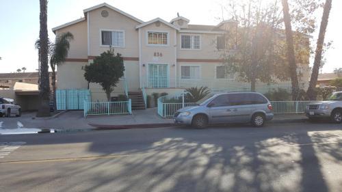 836 W Romneya Drive #202 Photo 1