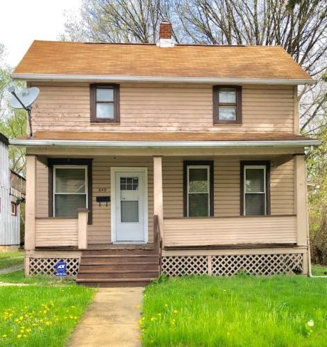 649 Hazel Street Photo 1