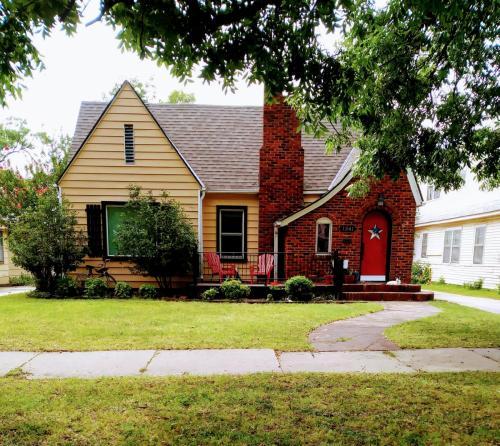 1341 S Keeler Avenue Photo 1