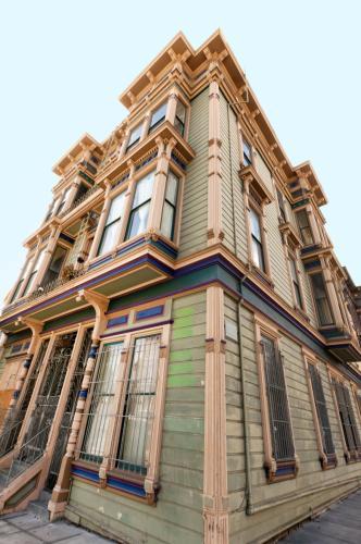 261 Pierce Street #5 Photo 1