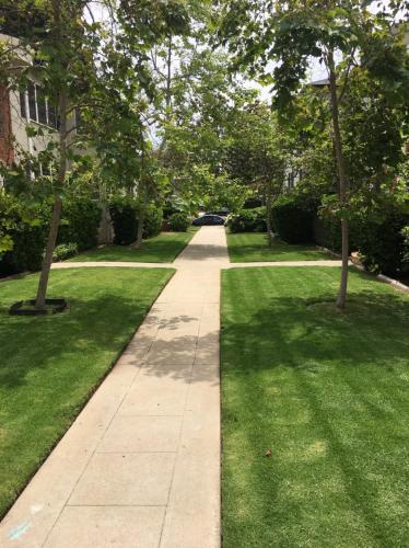 517 San Vicente Boulevard Photo 1