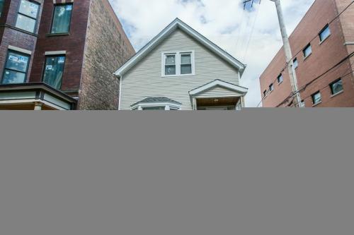 3540 N Hoyne Avenue #2ND FLOOR Photo 1