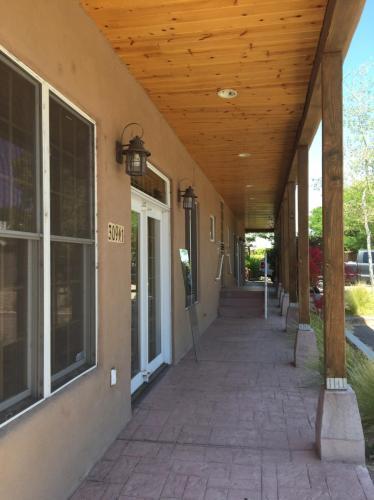 309 Rio Grande Boulevard NW Photo 1