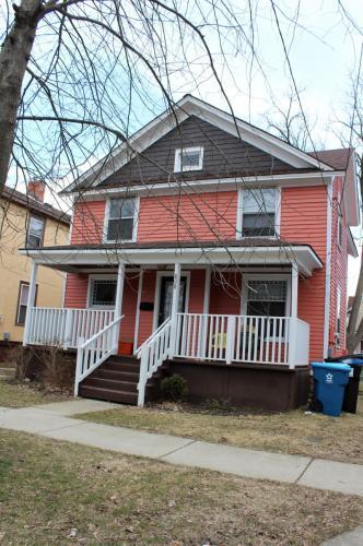 808 W Walnut Street #1 Photo 1