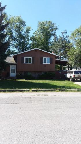 860 E Hoffman Avenue Photo 1