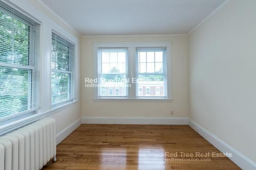 51 Leamington Road #2 M Photo 1