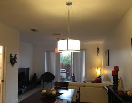 5621 SW 107th Avenue Photo 1