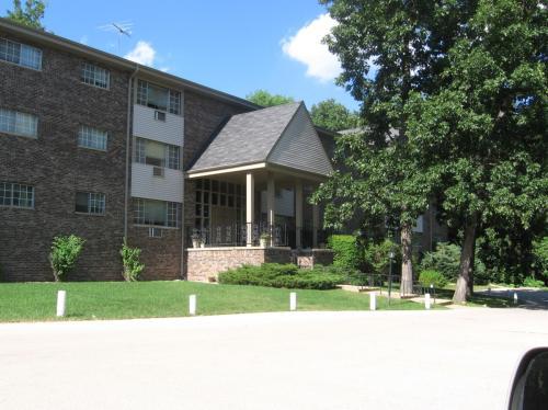 1422 E Racine Avenue Photo 1