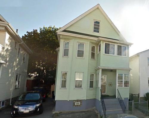 448 Ferry Street Photo 1