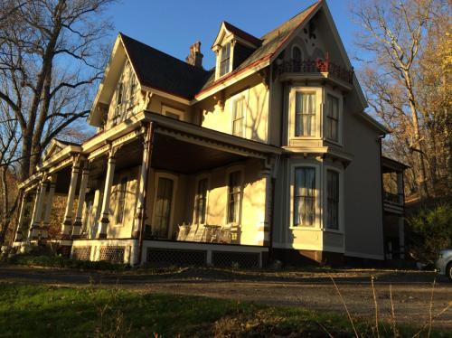 1 Breck Hill Drive Photo 1
