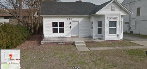 705 S Poplar Street Photo 1
