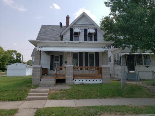 807 15th Street Photo 1