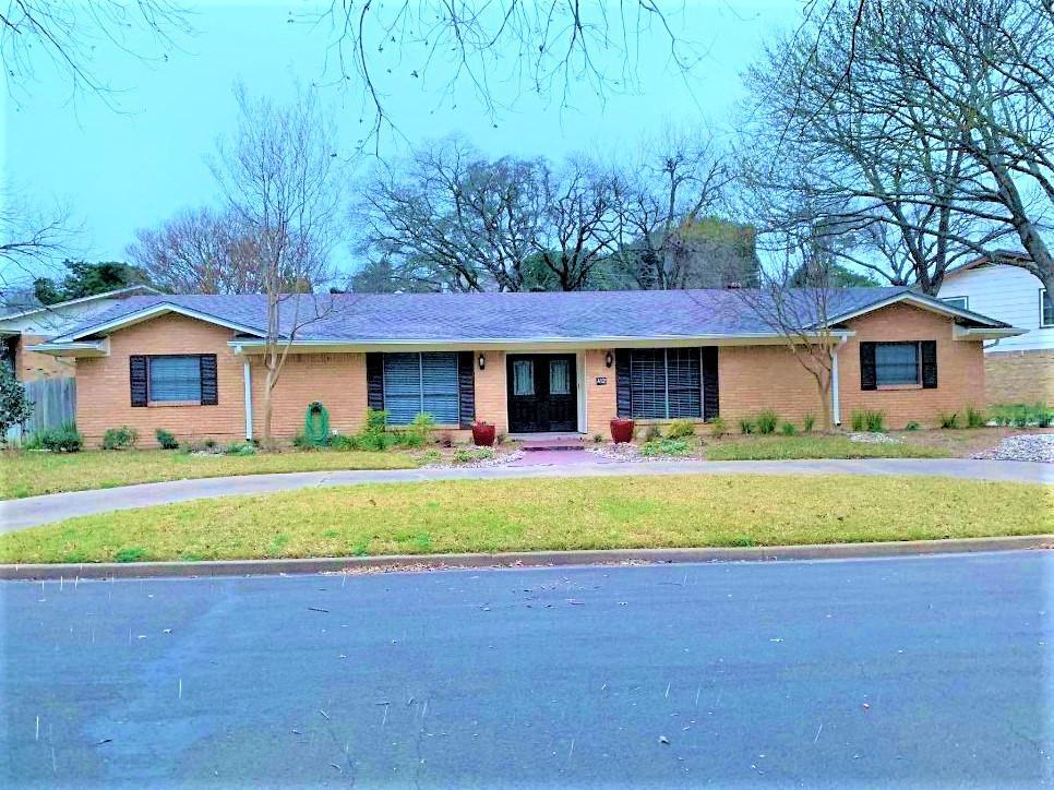 412 Brookwood Drive, Woodway, TX 76712 | HotPads