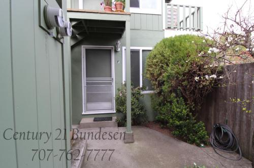 524 6th Street #F Photo 1