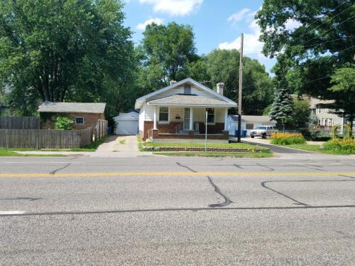 721 W Lawrence Avenue Photo 1