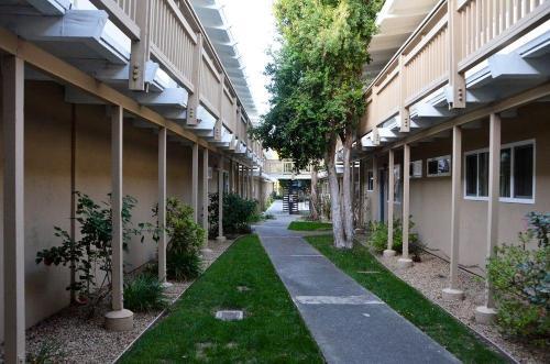 2235 California Street #213 Photo 1