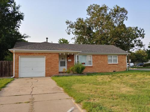 8332 E Indianapolis Street Photo 1