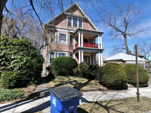 401 Mansfield Street #1 Photo 1