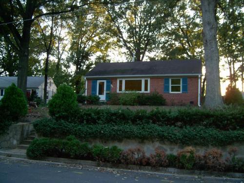 8108 Wingfield Place Photo 1