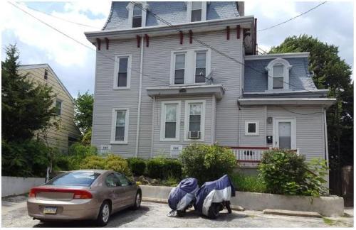 1028 Coates Street #5 Photo 1