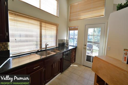 4033 W Lakeshore Drive Photo 1