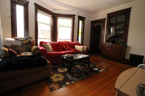 548 Washington Street Photo 1