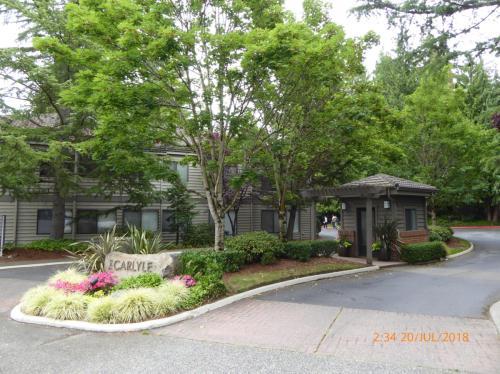1326 Bellevue Way NE #5 Photo 1