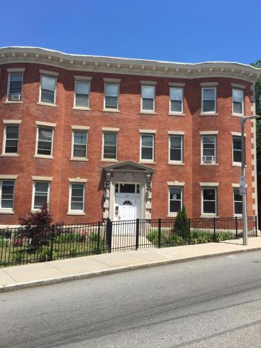 14 Townsend Street Photo 1