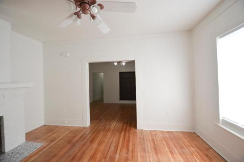 1114 W Russell Place Photo 1
