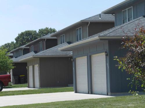 605 Glen Court Photo 1
