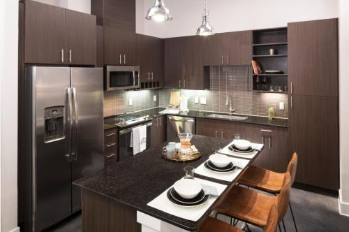 746 Northwestern Avenue Photo 1