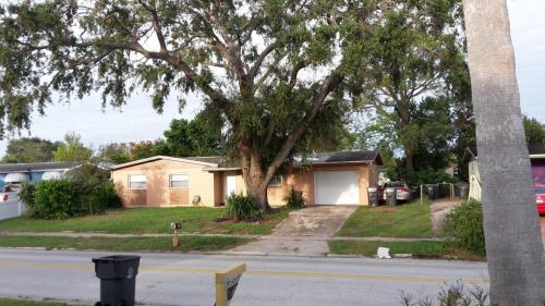 546 Clarewood Boulevard Photo 1