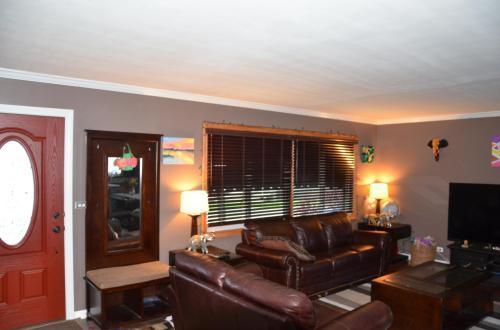 617 Longfellow Avenue Photo 1