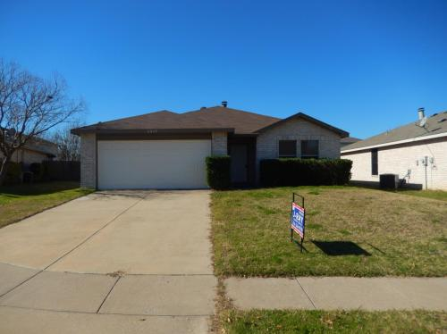 4249 Gray Fox Drive Photo 1