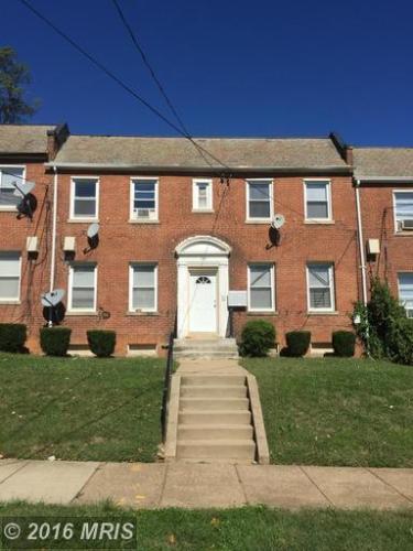 716 Irving Street NE Photo 1