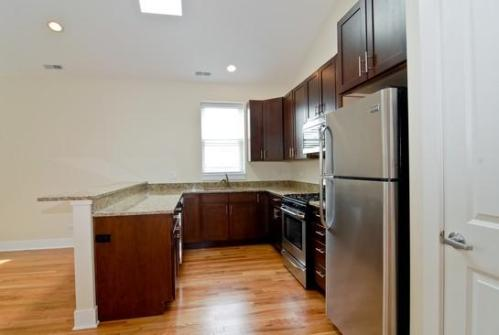 1708 N Ashland Avenue Photo 1