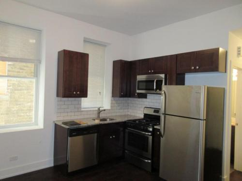 1056 N Ashland Avenue #2F Photo 1