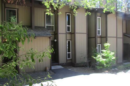 3115 N Lake Boulevard #3 Photo 1