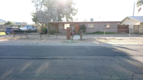 13820 N 8th Place Photo 1