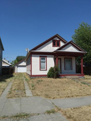 223 E Dalton Avenue Photo 1