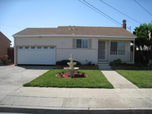 4561 Cerritos Avenue Photo 1